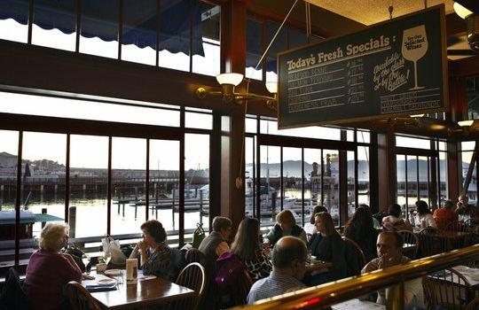 Pier Market Seafood Restaurant1