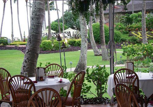 Hukilau Lanai Restaurant3