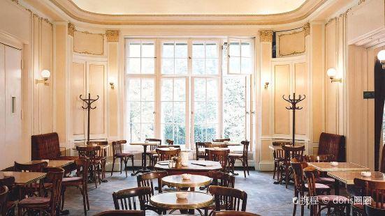 愛因斯特咖啡廳