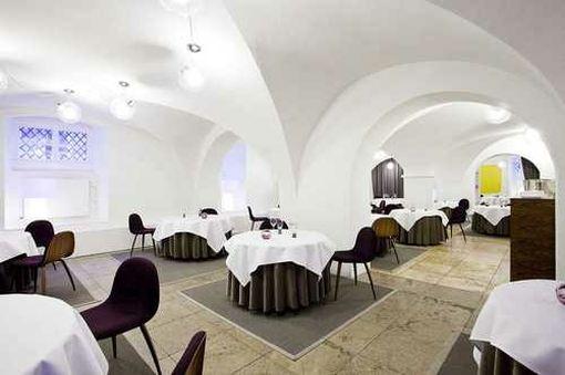 Restaurant AOC1