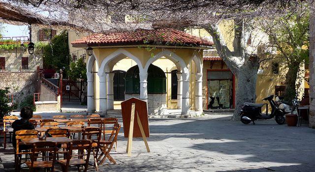 Taverna Platanos2