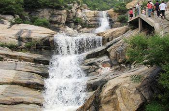 盧崖瀑布風景區
