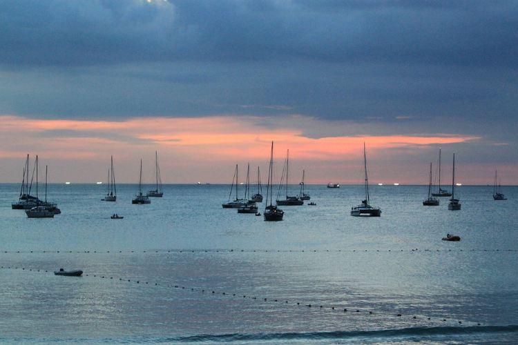 Nai Harn Beach3