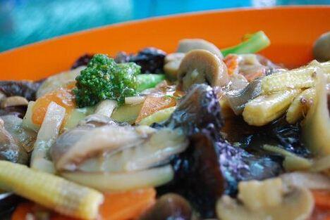 Salut Seafood Restaurant3