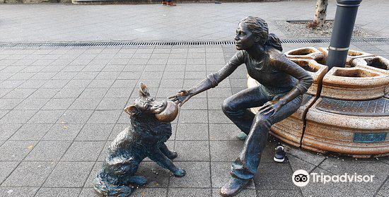 Girl With Her Dog Statue3