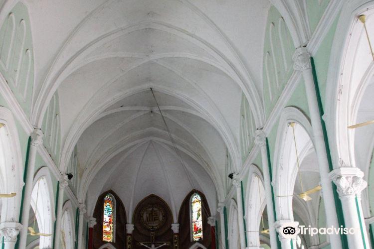 Nha thờ Huyen Sĩ Catholic Church3