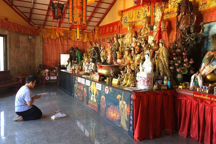Jui Tui Shrine2