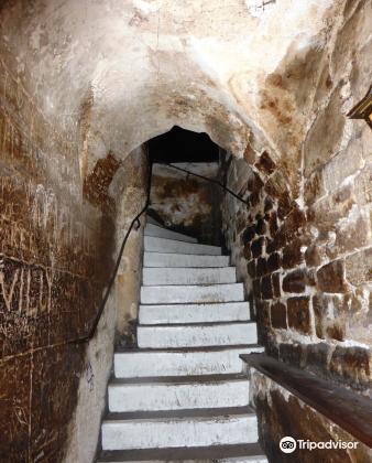 Le Caveau de la Huchette3