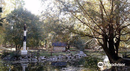 Mouton Village4