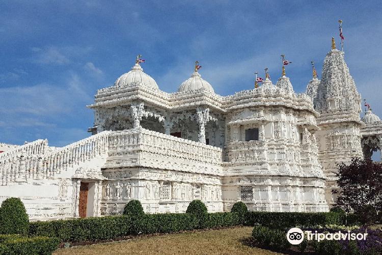 BAPS Shri Swaminarayan Mandir2