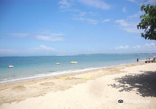 Cemara Beach2