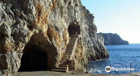 Grotta dello Smeraldo (Emerald Grotto)1