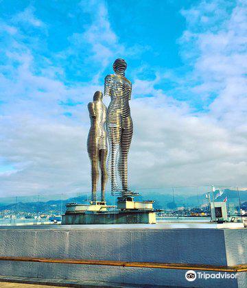 阿里和尼諾雕像1