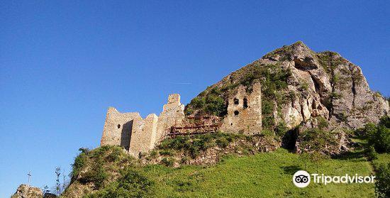 Lednica Castle1