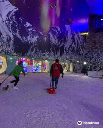 Snow World2