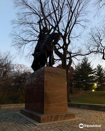 King Jagiello Monument1