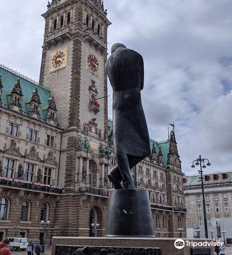 Heinrich Heine Denkmal1