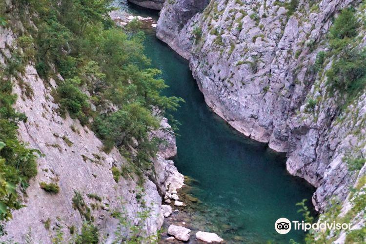 Morača River 峽谷1