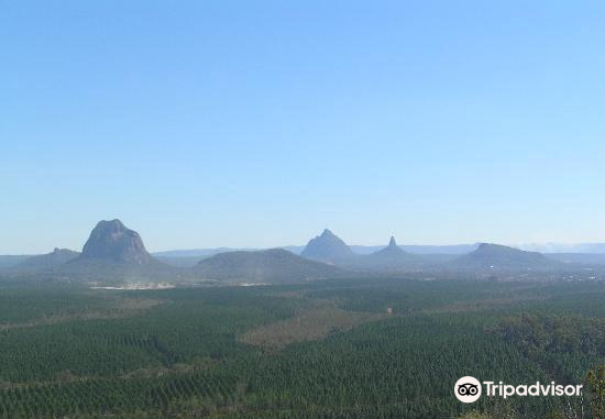 Glass House Mountains National Park3