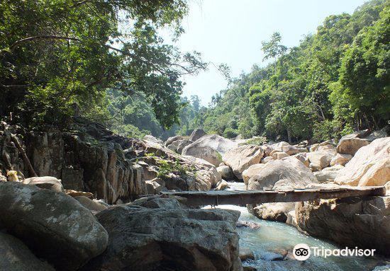 Ba Ho Waterfall3