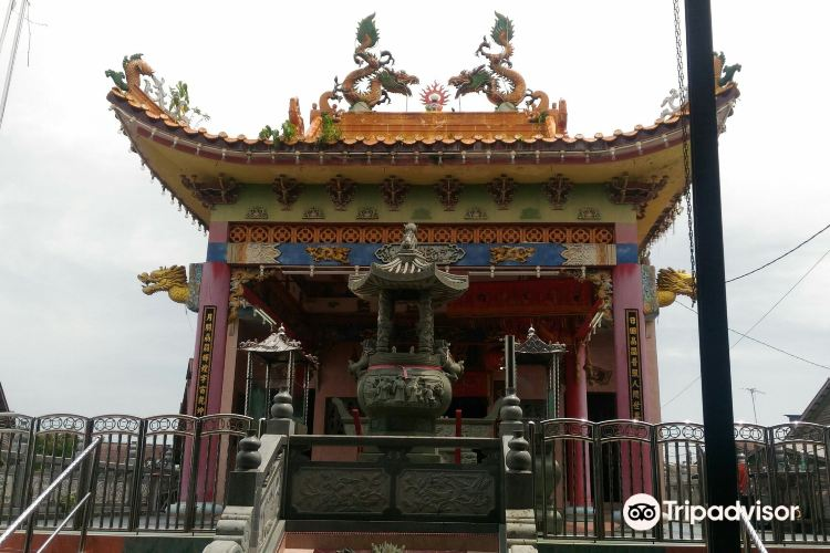 Chinese Temple2