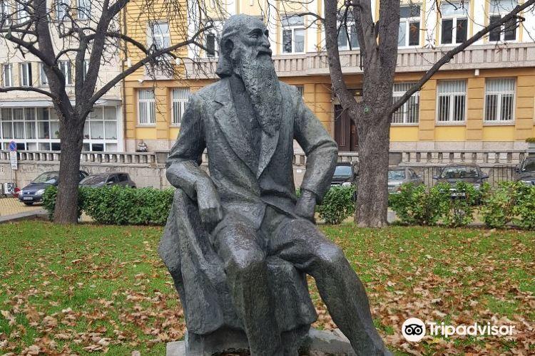 季米特洛夫陵墓1