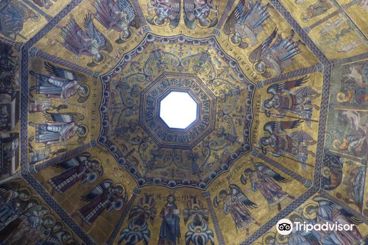 Baptistery of San Giovanni (Battistero)4