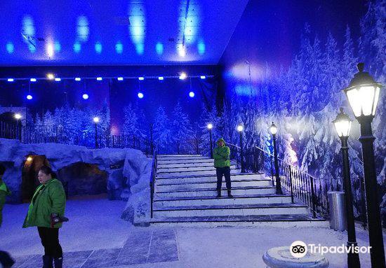 Snow World4