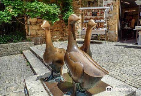Statues des Trois Oies