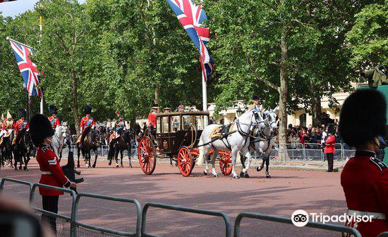 摩爾大街觀看皇家軍隊閱兵