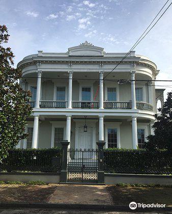 Robinson House2