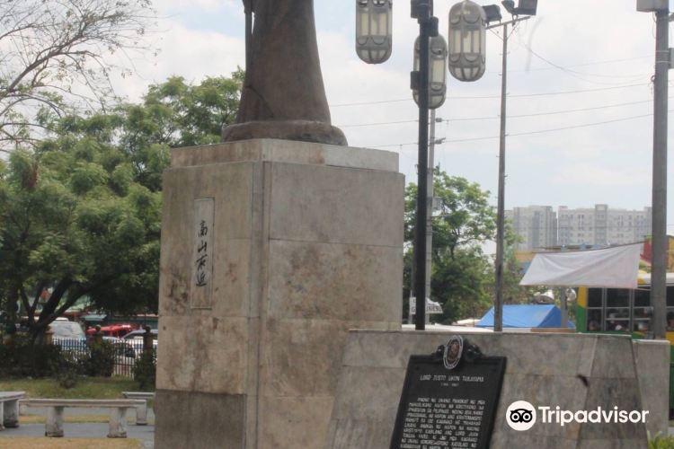 Lacson Monument2