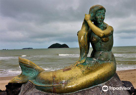 Mermaid Statue2