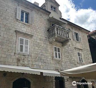 Lombardic Palace