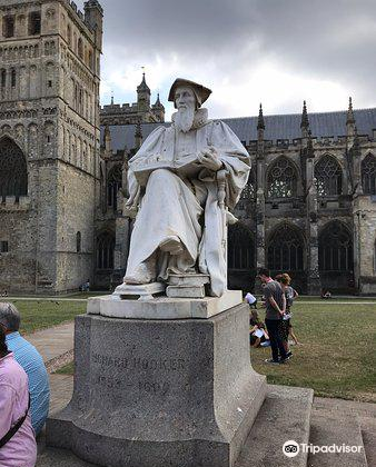 Statue of Richard Hooker2