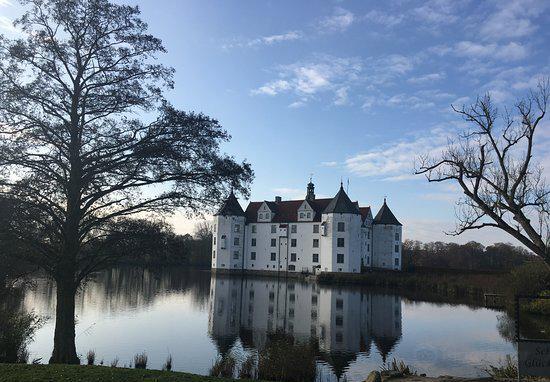Glucksburger Schloss1