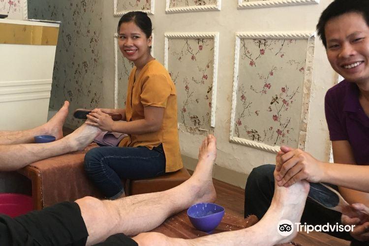Lemi spa, foot & body massage1
