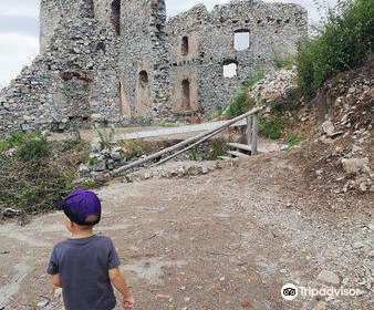 Oponice Castle