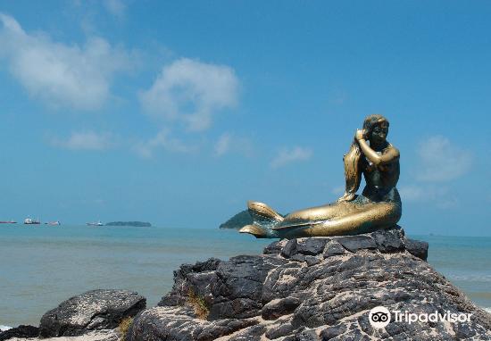 Mermaid Statue3