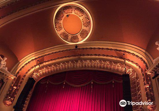 Royal Theatre4