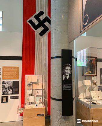Holocaust Center for Humanity3