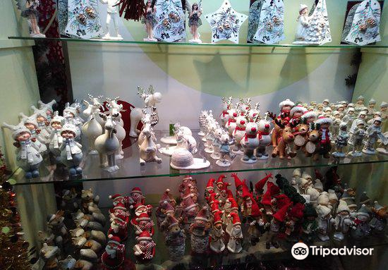 Christmas Museum Shop2
