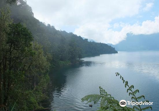 Seven Mountain Lake4