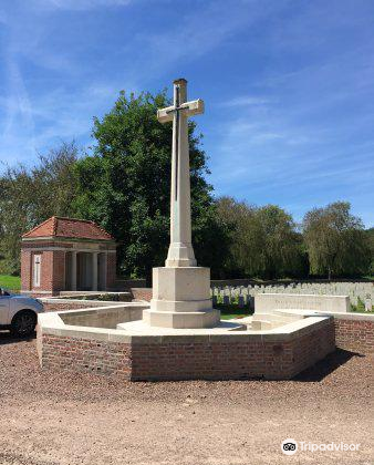 Carnoy Military Cemetery1