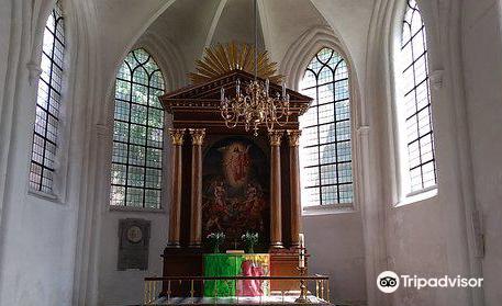 Sankt Petri Kirke Og Gravkapeller