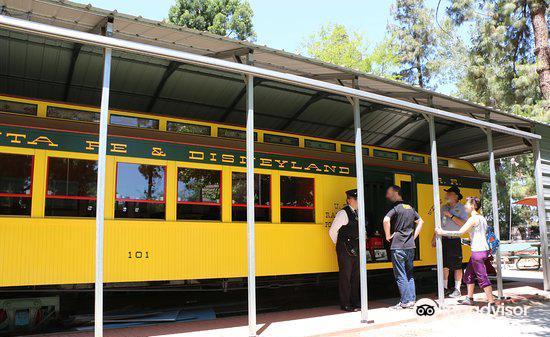Walt Disney's Carolwood Barn3