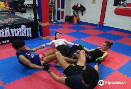 Khaolak Jaroenthong mauy Thai Gym