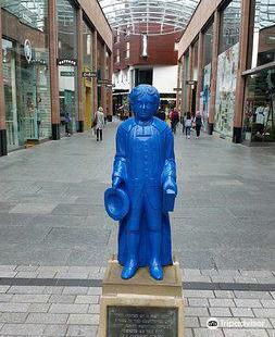 Blue Boy Statue - Princesshay