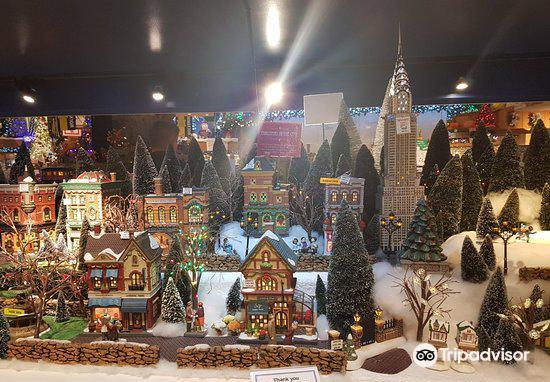 Bronner's Christmas Wonderland3