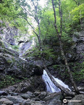 Uisge Ban Falls3